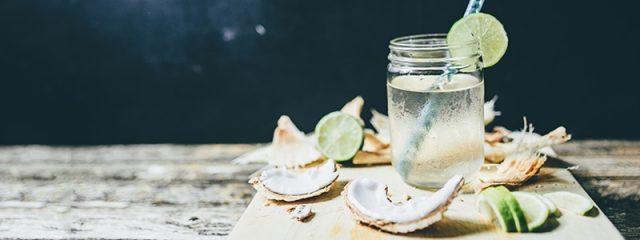 Uống nước dừa mỗi ngày
