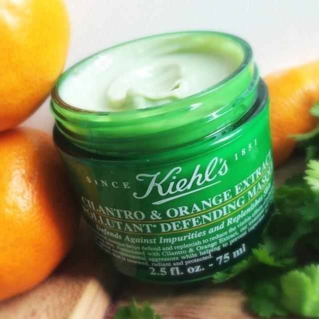 Kiehl's – Cilantro Orange Extract Defending Masque: Mặt nạ ngủ chiết xuất từ quả cam và rau mùi giúp củng cố và tăng cường hàng rào bảo vệ da. Giá: 32$ (khoảng 704.000VND)